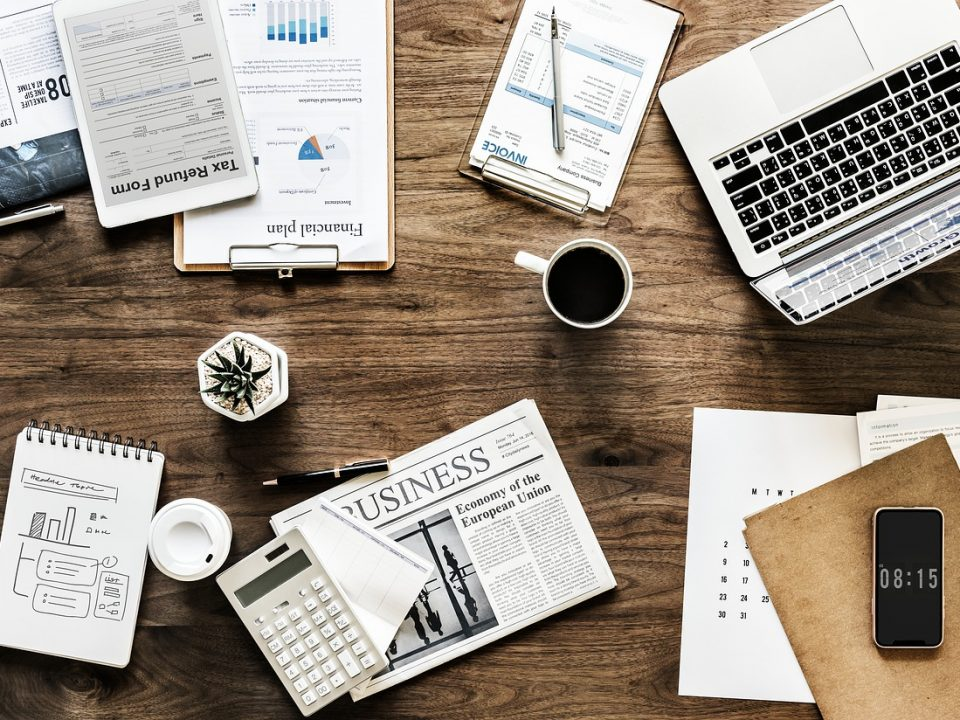 Des affaires sur un bureau